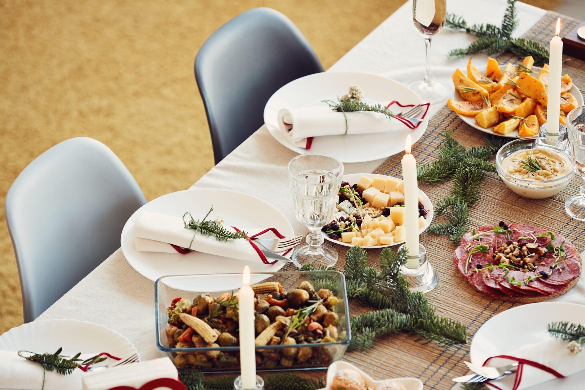healthy Christmas table setting